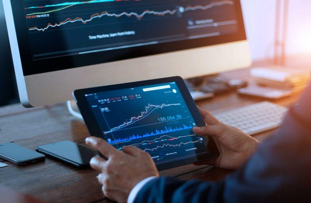 Laden Sie die Trade Interceptor App herunter und arbeiten Sie mit ihr